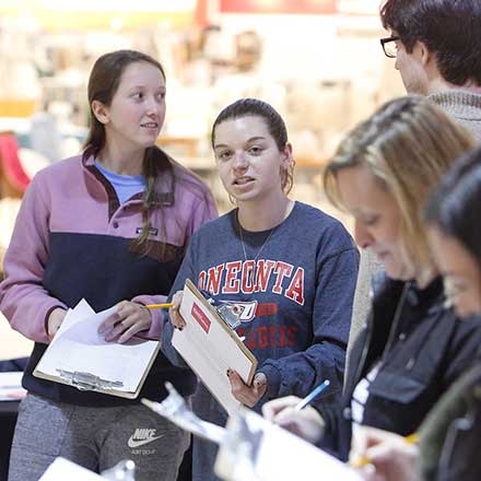Students conduct health survey at Southside Mall