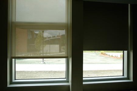 Insulating Window Glass
